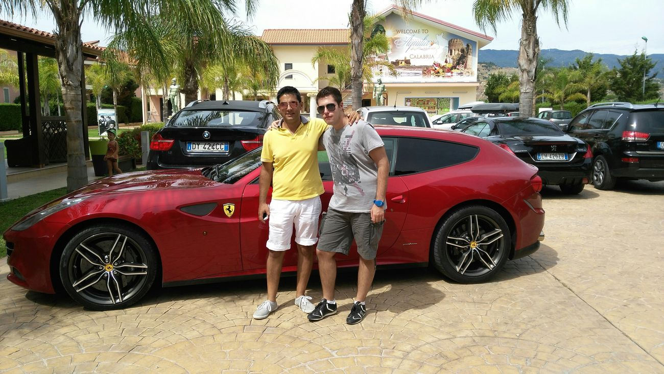 Friends Brothers Ferarri Beach Rayban Gray