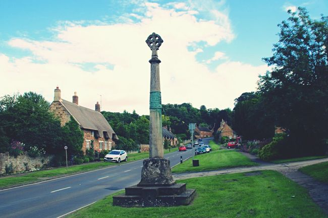 Eyeemphoto Rockingham Village Village Life Hill Northants Cross War Memorial