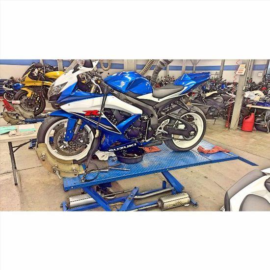 A little Gsxr TLC! Yamaha Kawasaki Suzuki Triumph Ducati Ktm Wheelie R1 R6  Moto Panigale Motogp S1000rr SuperSport Sportbike Gsxr Zx6r Cbr Bmw Motorbike Supermoto Motorcycle Ninja Honda Love picoftheday s1k 636