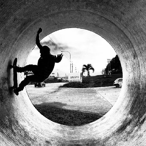 ''Skate or die'' @gonzedua2304 Skateboarding Skate Skater Shadow Monochrome Monoart Monolove Blackandwhite Black Blakandwhite Blancoynegro Blackwhite Bnw Board Streetphotovenezuela Streetphoto Streetphotocaracas IgersVenezuela Igerscaracas Venezuelaes Xtreme Sport