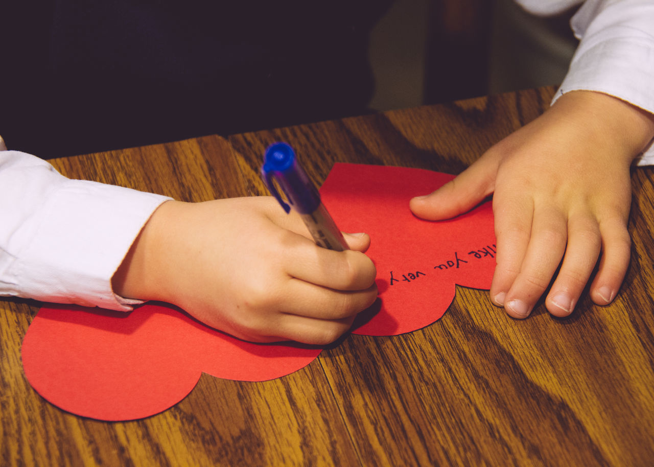 Beautiful stock photos of valentinstag, 6-7 Years, Boys, Child, Communication