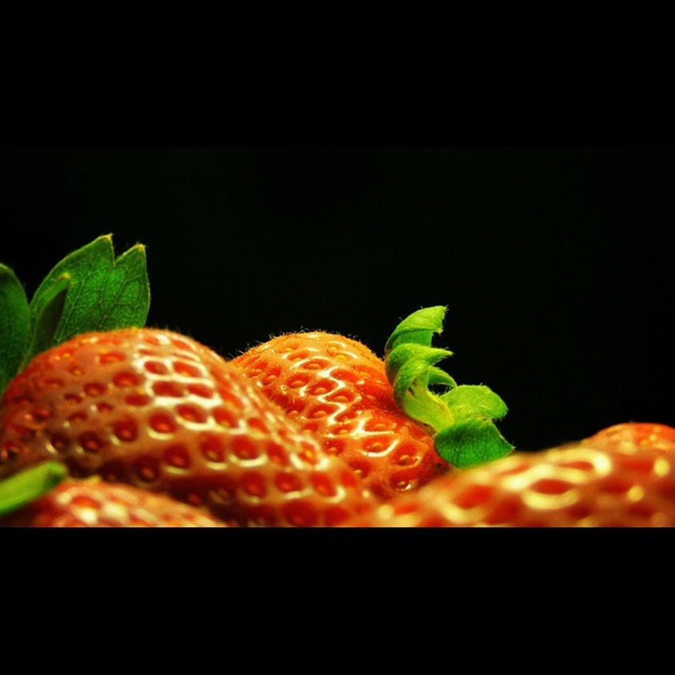 Big thanks to @gabinemet I was invited to the Macrofruitandveg challenge! 3 macro pics of any fruit and vegetable and tag it to Macrofruitandveg . Edits welcome.Now I ask @roskni to play with us! :) No pressure as it's all for fun! :)