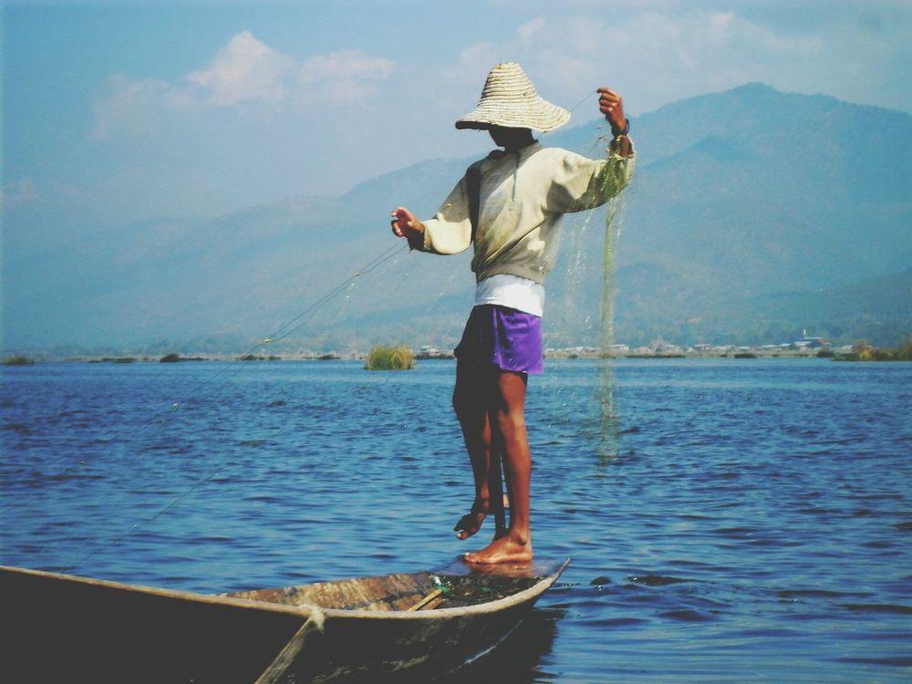 Working Hard Inlelake Inle Lake Fisherman Myanmar Myanmar Fisherman The Great Outdoors - 2015 EyeEm Awards Asian World Nature Fishing
