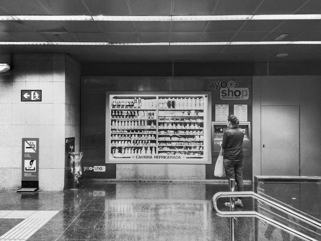 Waiting ... Streetphoto_bw Underground Less Is More Bnw_friday_eyeemchallenge Notes From The Underground