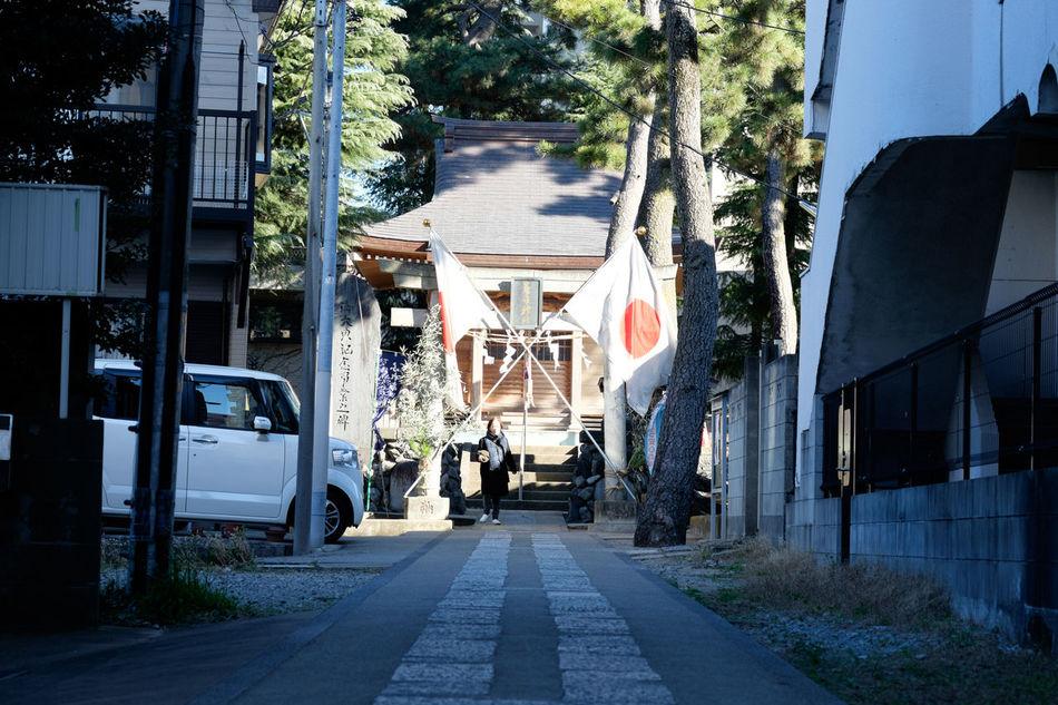 市川の春日神社 Fujifilm Fujifilm X-E2 Fujifilm_xseries Japanese Shrine National Flag New Year Shrine Xf60 XF60mmF2.4 R Macro お正月 初もうで 初詣 国旗 新年 日の丸 日章旗 春日神社 正月 神社