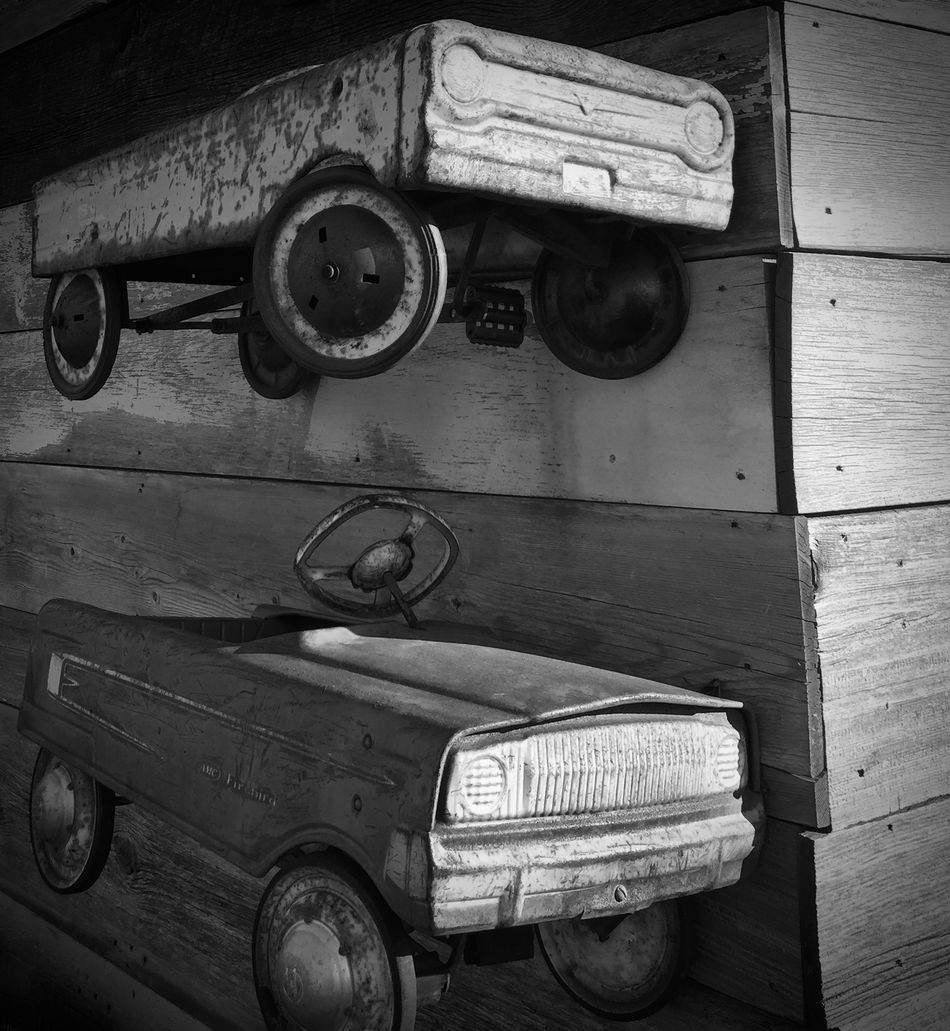 I always wanted one of these :) Antique Classic Car Old-fashioned Pedal Cars Retro Styled Rusty Autos Rusty Car Rusty Cars Rusty Things Toy Car
