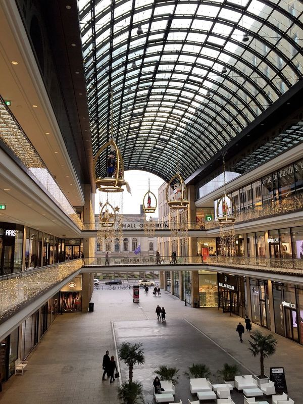 💰💍👛MALL OF BERLIN👛💍💰 Travel Built Structure Unrecognizable Person Indoors  Shopping Mall Crowd Architecture Walking Travel Destinations Mall Of Berlin People Commuter Modern Retail  Group Of People City Large Group Of People Arrival Women Store Enjoying Life My World ♥ Shopping ♡ Berlin Mitte Lp12