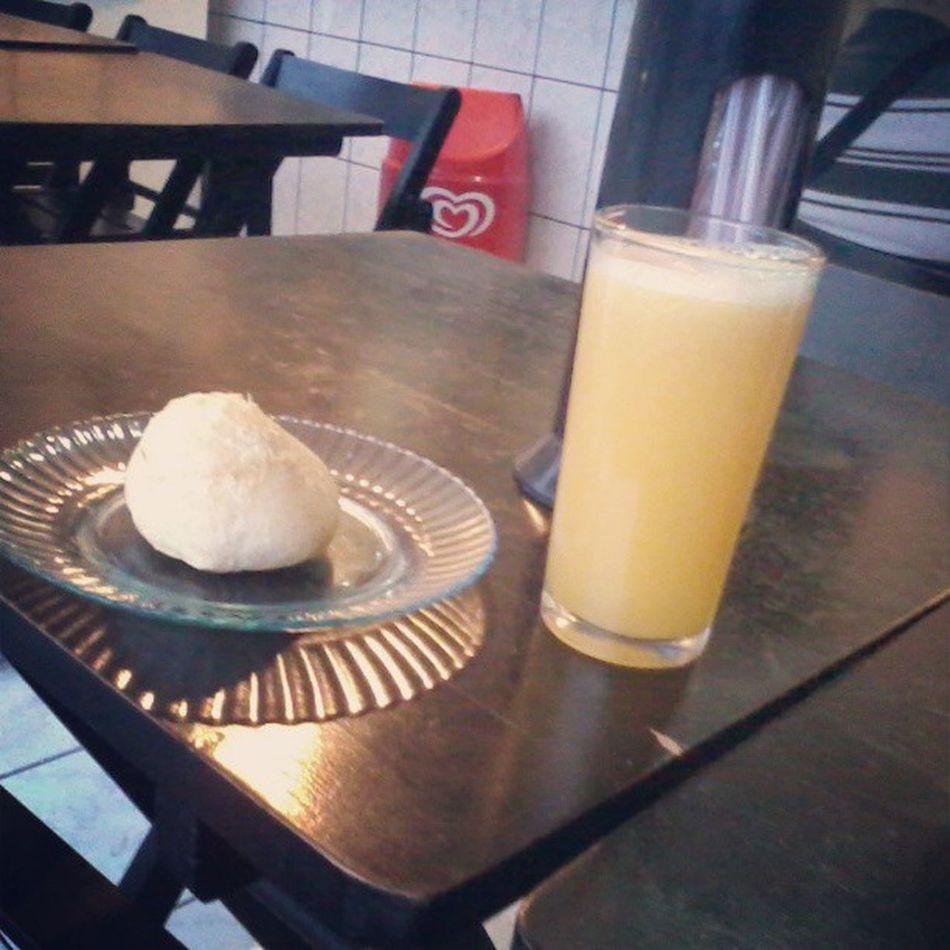 Paodequeijo & Sucodelaranja Cafedamanha Instalike likefoike bomDia brazil SaoPaulo cut lileforme