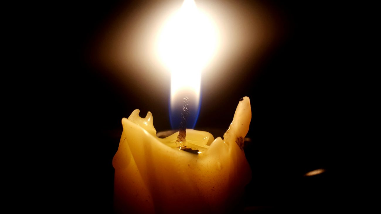 Burning Flame Fire - Natural Phenomenon Heat - Temperature Glowing Celebration Close-up No People Black Background Oil Lamp Diwali Diya - Oil Lamp Indoors  Candle Igniting Samsung Galaxy S4 Kadrajturkiye Kadrajımdanyansıyanlar Kadraj_turkiye