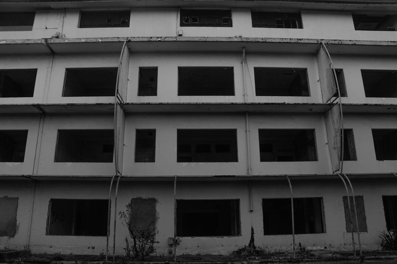 Window Façade Building Exterior Architecture Outdoors The Street Photographer - 2017 EyeEm Awards Street Photography Streetphotography Black&white Photography Black & White