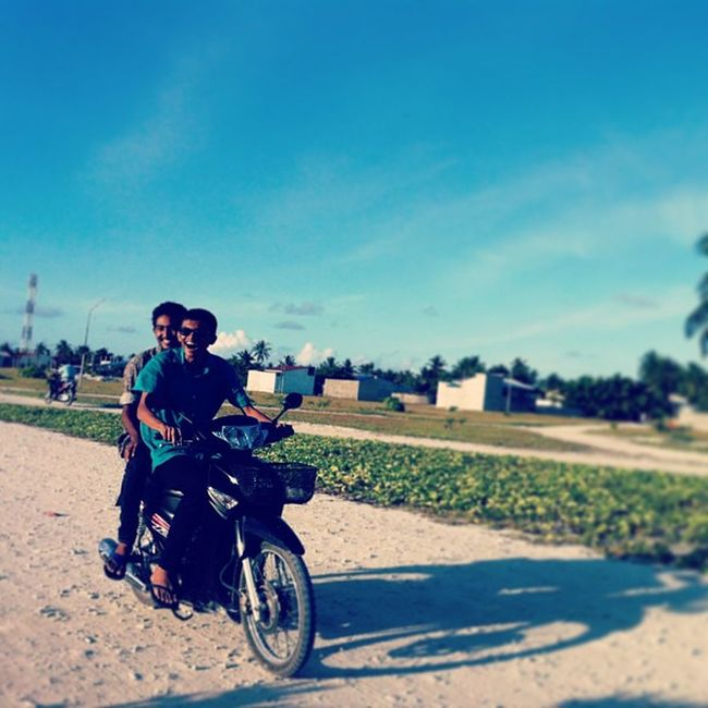 Aman Excited Driving for first time Wid Klaus thinadhoo