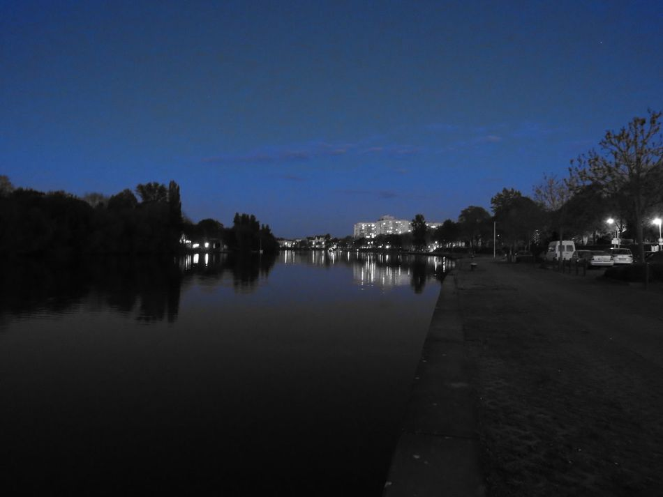 Blue Building Exterior Calm Canal City Life Dark Diminishing Perspective Evening Atmosphere Footpath Main Night Lights Nightphotography Offenbach Am Main Reflection Relaxing Moments River Riverbank The Way Forward Tranquil Scene Tranquility Tree Water Water Reflections