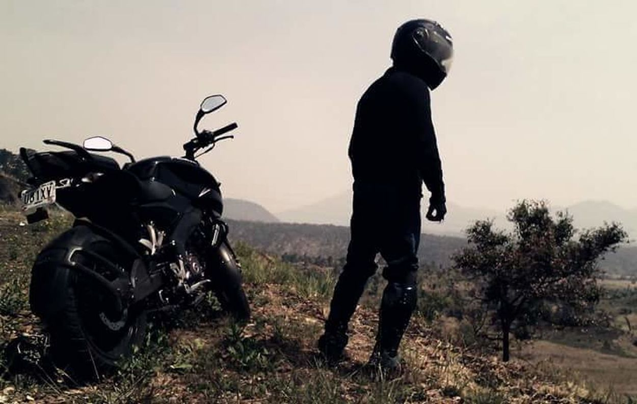 The Drive Motorcycle Travel Biker Road Trip Landscape Freedom Outdoors Only Men One Person Trippin' Free Freedoom  Motos Motocicleta Rock Motorcycle Copy Space One Man Only Men Only Men Mid Adult Travel Rural Scene Adults Only First Eyeem Photo