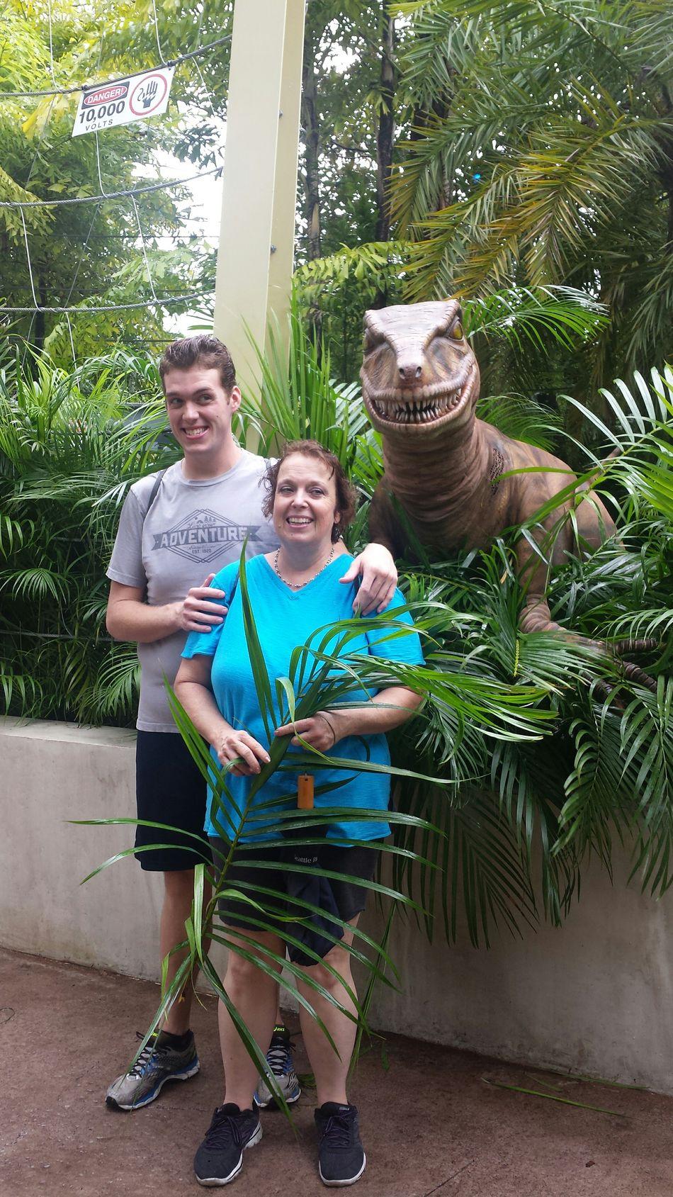 A family with a smile (: Smiling Smile Happy Eyeem Smile EyeEm Smiling Dinosaur Life Experiences Enjoyment