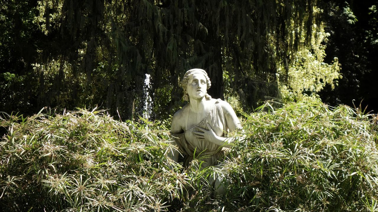 Villa Borghese Villa Borghese Park Villa Borghese Gardens Human Representation Statue Sculpture Art And Craft No People Day Tree Outdoors Sunlight Abandoned Abandoned Places Travel Destinations City Roma Rome Italy Italia Nature History Eyecatcher