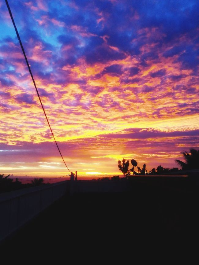 Beautiful Sunset in Tahiti my beatiful island ❤ Sunset Sunset_collection Skylovers Tahiti have a nice night ;)