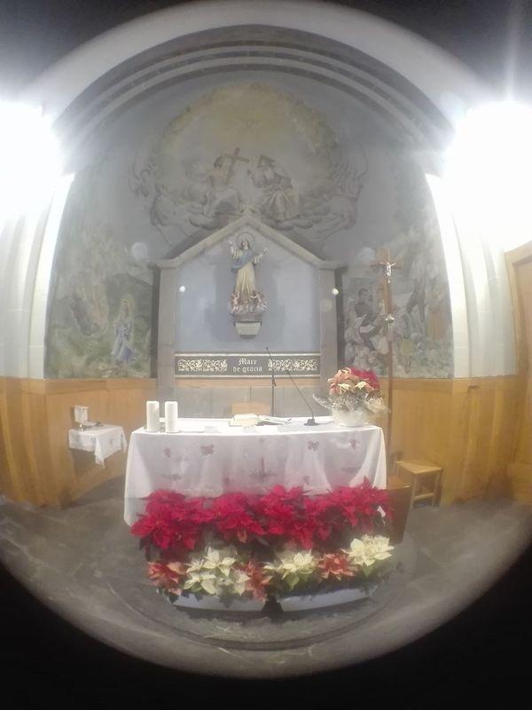 Altar Iglesia de Vilalbasasserra . Fisheye