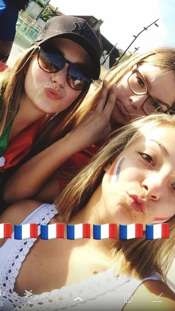 Euro2016 France 🇫🇷 Beautiful Day Paris Myfriend♥ Blonde Girl Frenchgirls Fraport So Dad For France Portugal ChampionsEuro2016