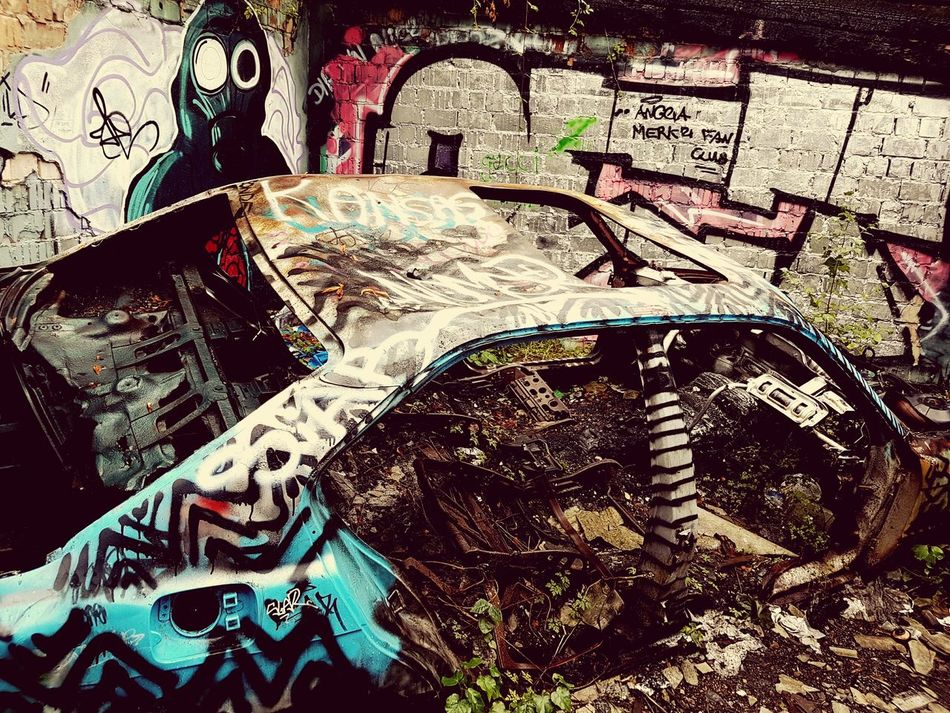 Car Car Interior Weapon Day Car Wrack Ruine Grafitti Nature Zeit Verfall Zerfall Close-up