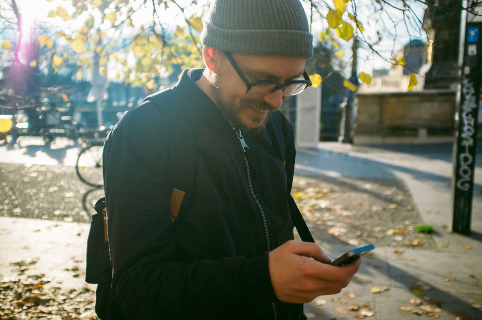 Beautiful stock photos of phone, Branch, Casual Clothing, Caucasian Ethnicity, Communication