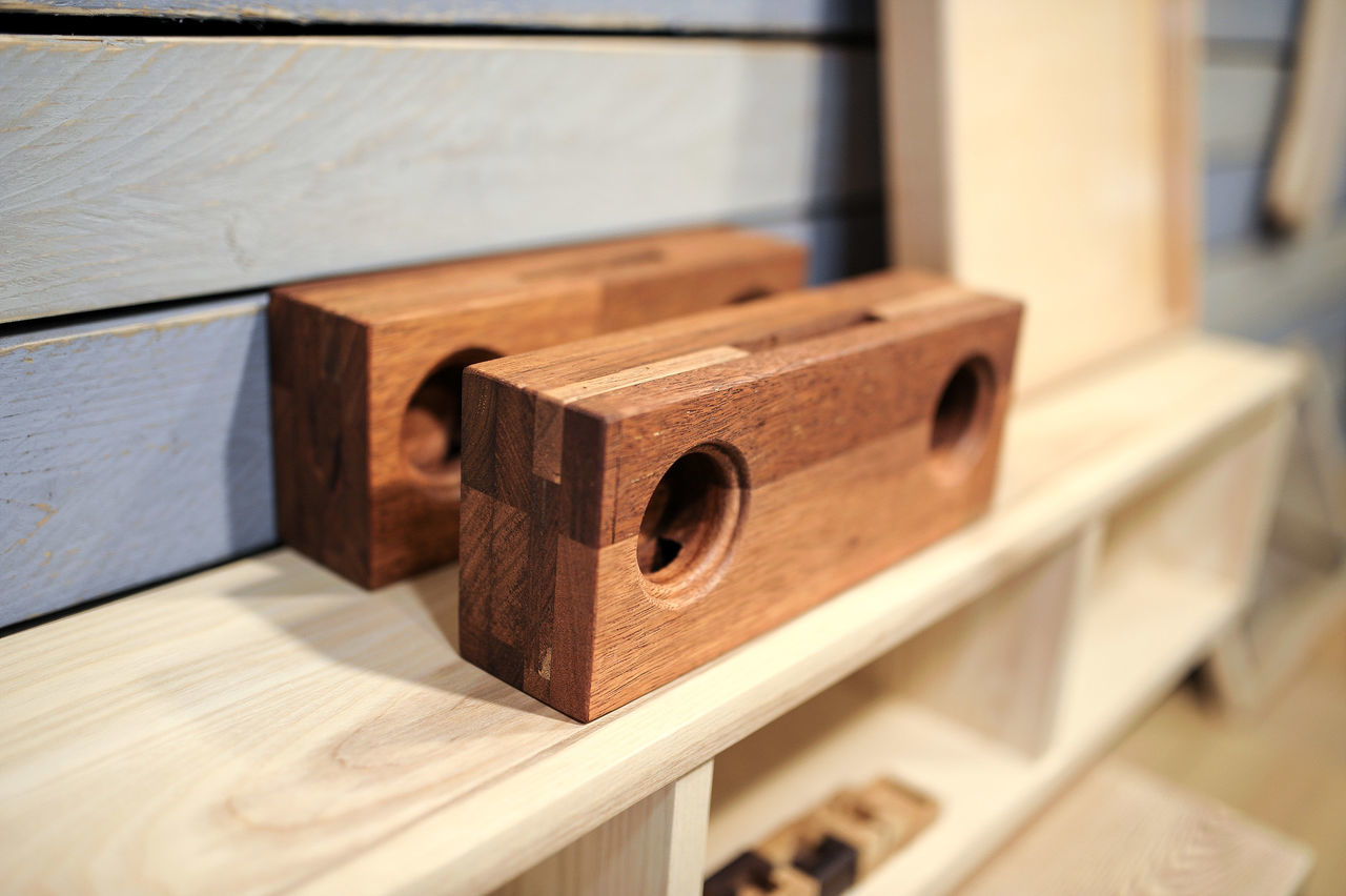 Antique Furniture Antique Antique Street Art Itaewon Freedom Itaewon Wooden Texture Wooden Wooden Speaker Getting Inspired Seoul Korea City Life City Freshness Street Snapshots Of Life Relaxation