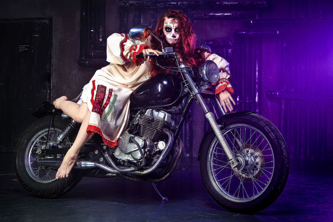 Halloween Motorcycle Night Old-fashioned Stage Makeup