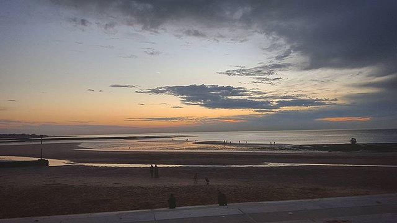 Photo by me - Samsung Galaxy S6 - edited. Margate Beach, UK. Beach Photo Bogdann2309 Margate Sea Photography Photooftheday Instagram Instadaily Ig Sky Like4like Likeforlike Galaxys6 21mm