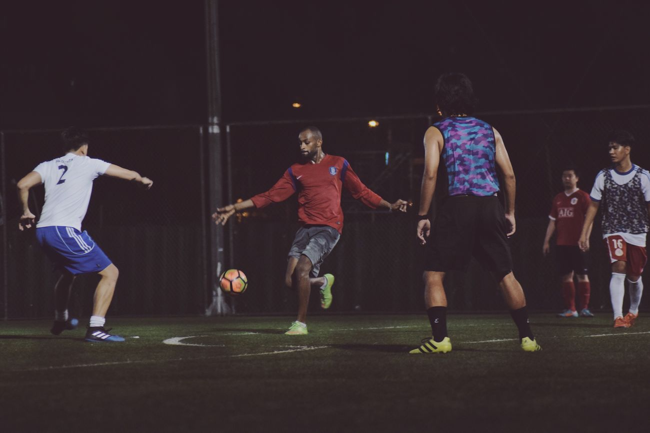Soccer Sport Soccer Player Real People Leisure Activity Large Group Of People Lifestyles Night Full Length Soccer Ball Soccer Field Sports Clothing Skill  Competition Competitive Sport Nikon Photography Sportsman Photography Illuminated Men Iamnikon Tamron Tamron70_300mm Nikon Nikon D3300 The Street Photographer - 2017 EyeEm Awards