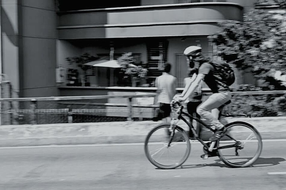 Bicycle Cycling Lifestyles City Sport People Black & White Photographer Photooftheday People Photography Streetphotography Street Street Life Sreetphotographer