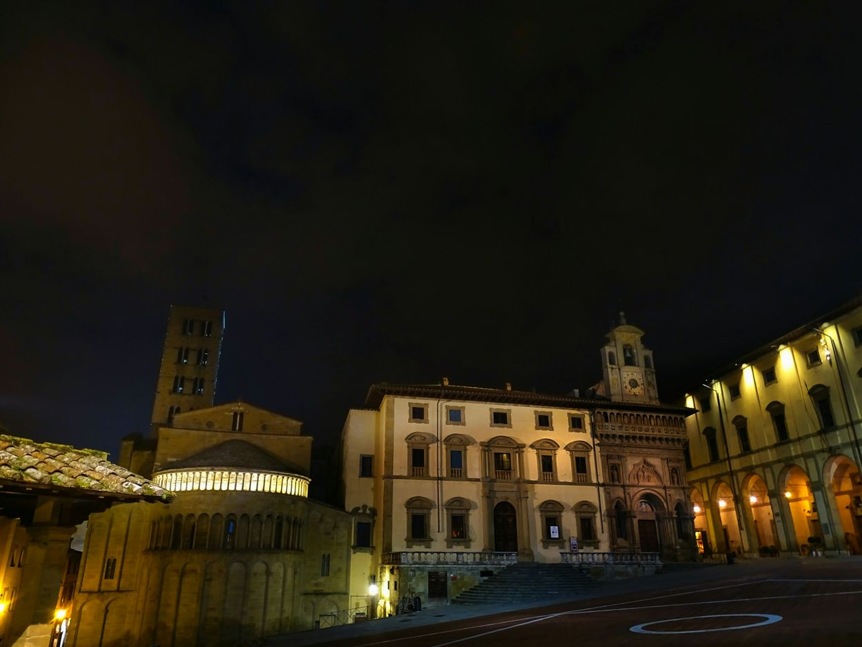 Piazza Grande Shadow Clouds And Sky Nightshot🌙 Sky Night Lights Nightphotography Sony Dsc Hx400v Nightshot Nightscape Clouds Shooting Architecture Monuments Tuscany Italy Arezzo Piazza Grande Old Old Buildings History Historical Building Square Ancient Architecture