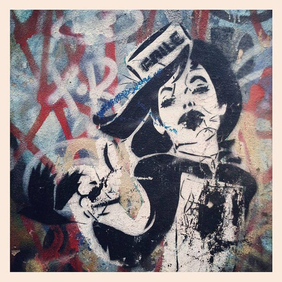 #graffiti #stencil #wall #germany #berlin #berlinphotos #kreuzberg #girl Wall Kreuzberg UrbanART Stencil Berlinphotos Berlin Graffiti Urban Art Girl Germany