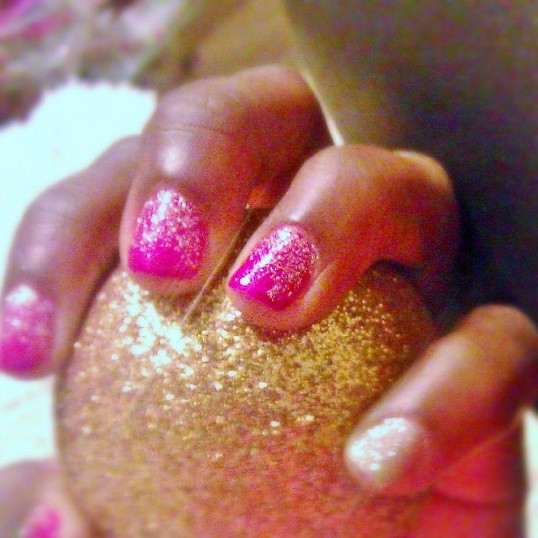 Mes ongles sont ready pour les fêtes. Nails Paillettes BlackHands .