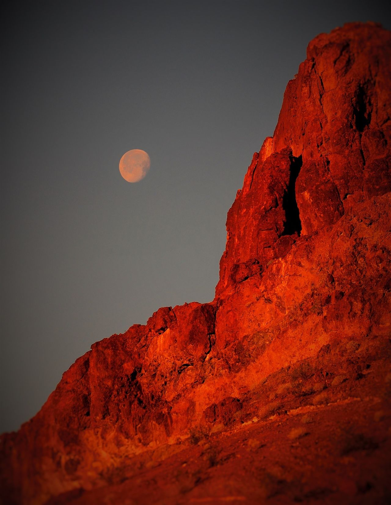 SARA park Crack in the mountain,early morning moon Arizona Beauty In Nature Full Moon Landscape Moon Morning Sky Nature Outdoors Rock - Object Scenics
