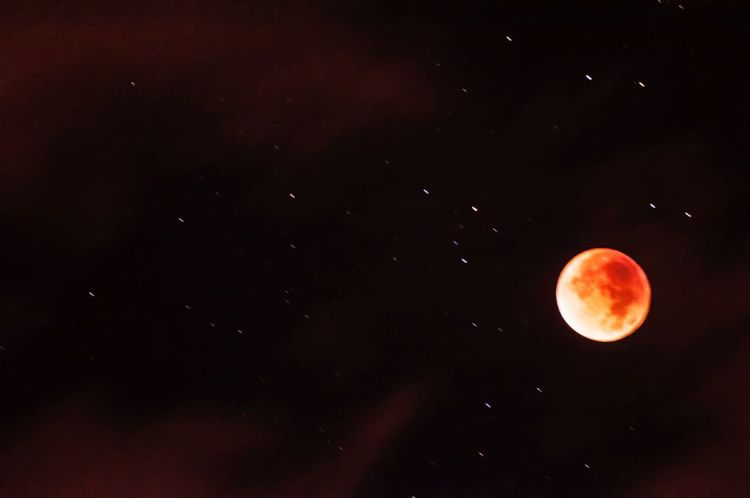 Bloodmoon Nightphotography Starscape Light In The Darkness Gettyimages Icarus-imagination Check This Out