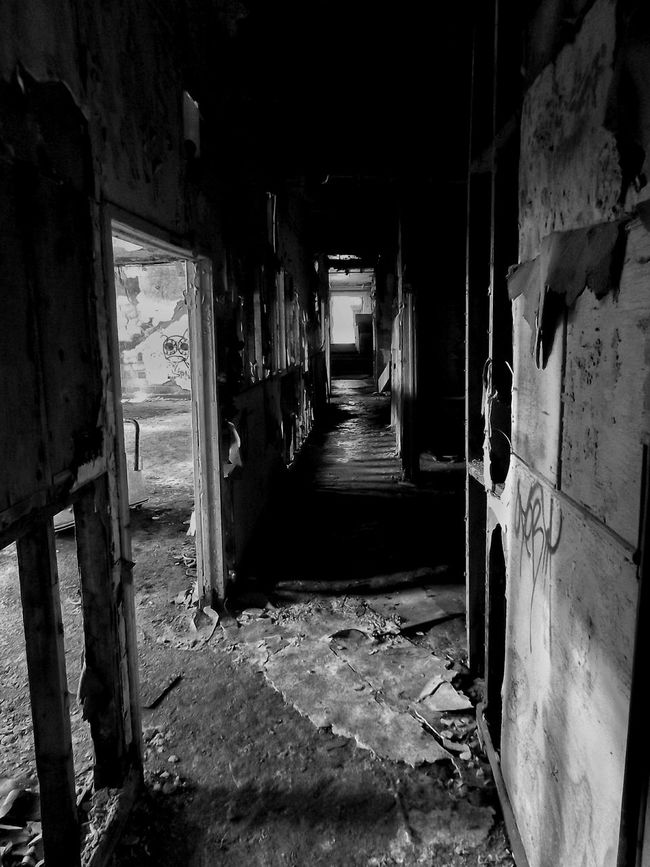 Basement Rurex Insane Asylum Black And White Black & White Light And Shadow Decay Rural Exploration Old Buildings Abandoned & Derelict