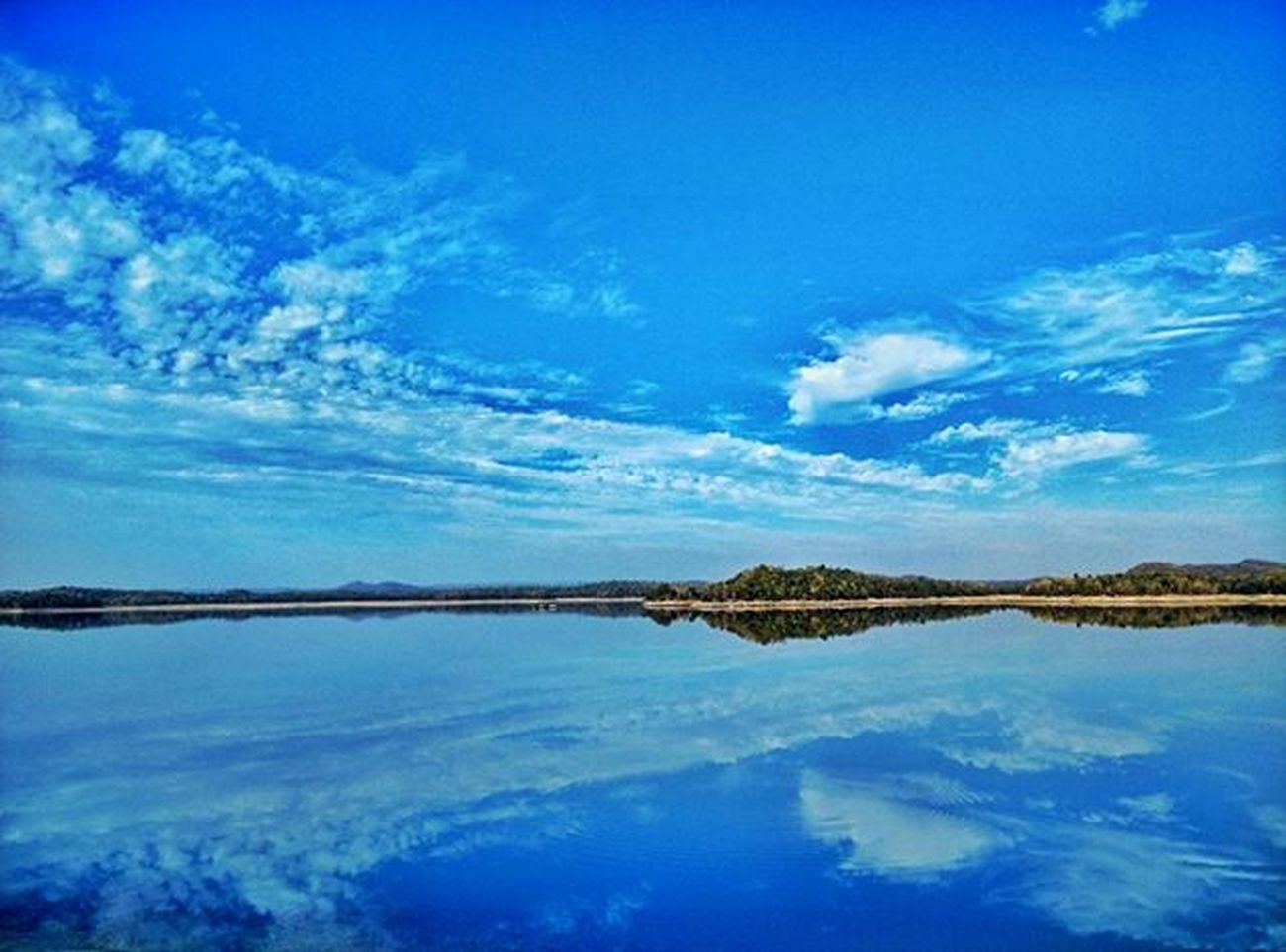 Bluesky Bluewatter Pench Reflection