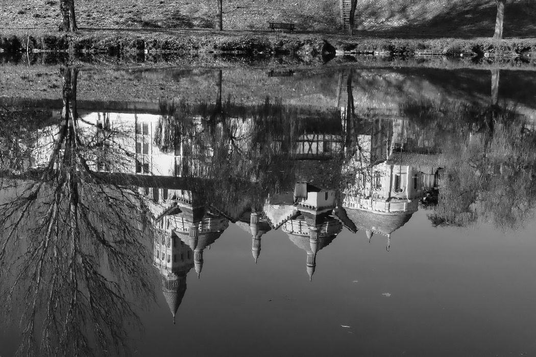 Upside town Water Reflection No People Nature Day Built Structure Outdoors Architecture Nature Picoftheday EyeEmBestPics Picooftheday Photooftheday EyeEm Best Shots Eyeemphotography Reflection Reflection_collection Cityscape Wonderful View Stunning_shots The Purist (no Edit, No Filter) Périgueux