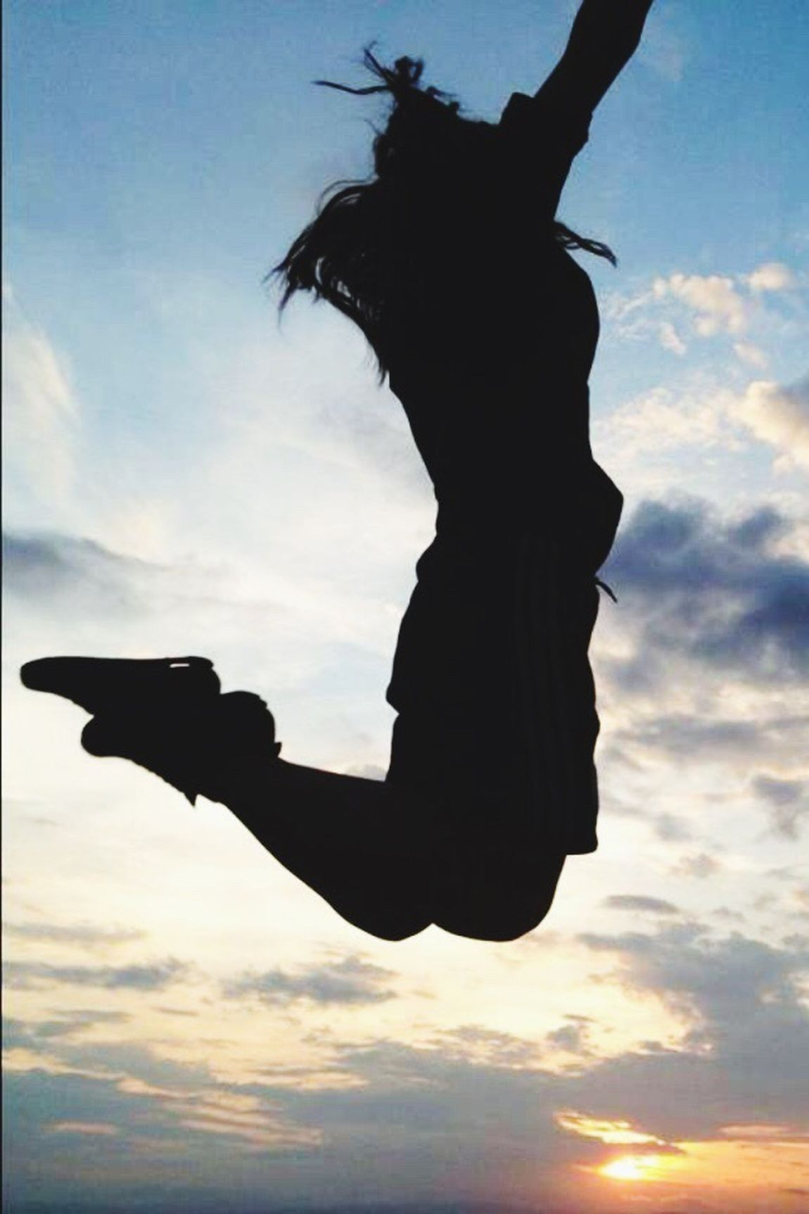 Jump Jumping Saut Ciel Nuages Contraste Lumières Soleil Poleymieux Alternative Fitness Sport Feminine  Need For Speed Photography Nice Atmosphere My Commute