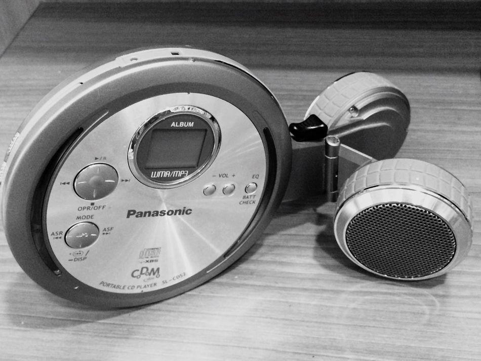 Codomo Memory CD Player Carry Music Everywhere Cute Speakers