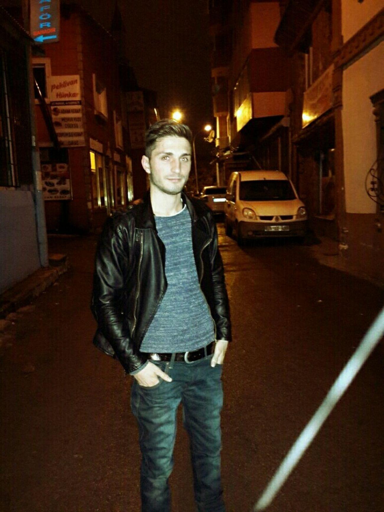 Ben Karanlık Sokaklar :)