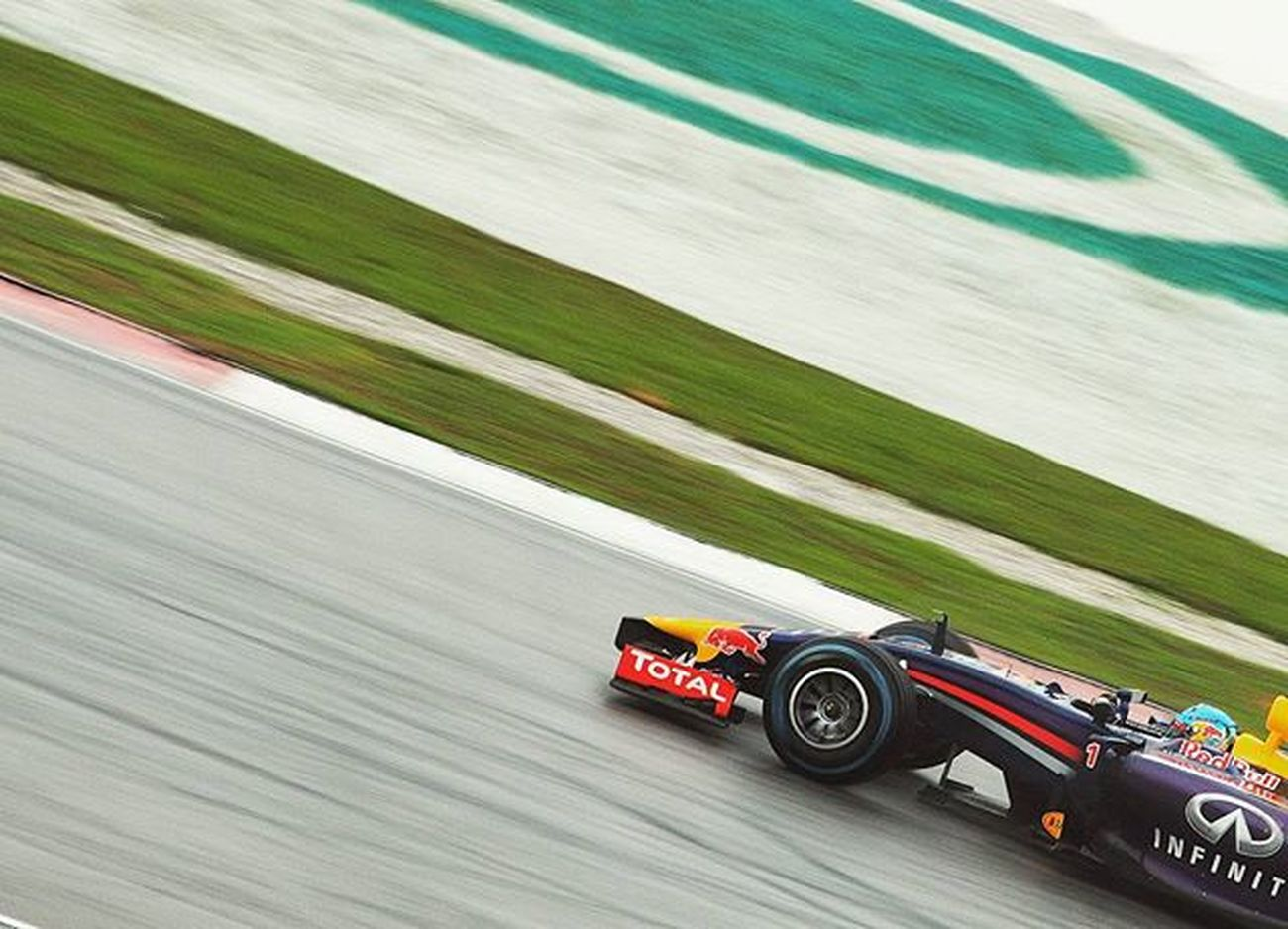 Vettel at Sepang with the RB10 || 2014 Back to back races again this week at the Mexican GP. Seems to be an unpredictable race on Sunday due to the new tarmac, higher altitude and changing weather conditions during qualifying later today. Malaysia Sepang MalaysianGP Motorsport Motorsportphotography RedBullRacing RedBull Vettel
