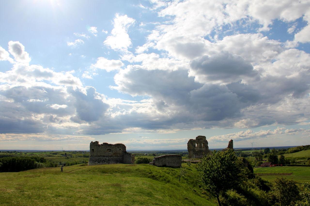 Castle Ruin Cloud - Sky Dramatic Sky Döbrönte Landscape #Nature #photography Ruins Sky Springtime Veszprém