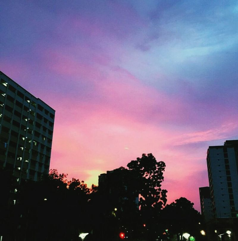 God's Beauty Light And Shadow Beautiful Sunset Sky And Clouds Sunsetandsky Violet By Motorola