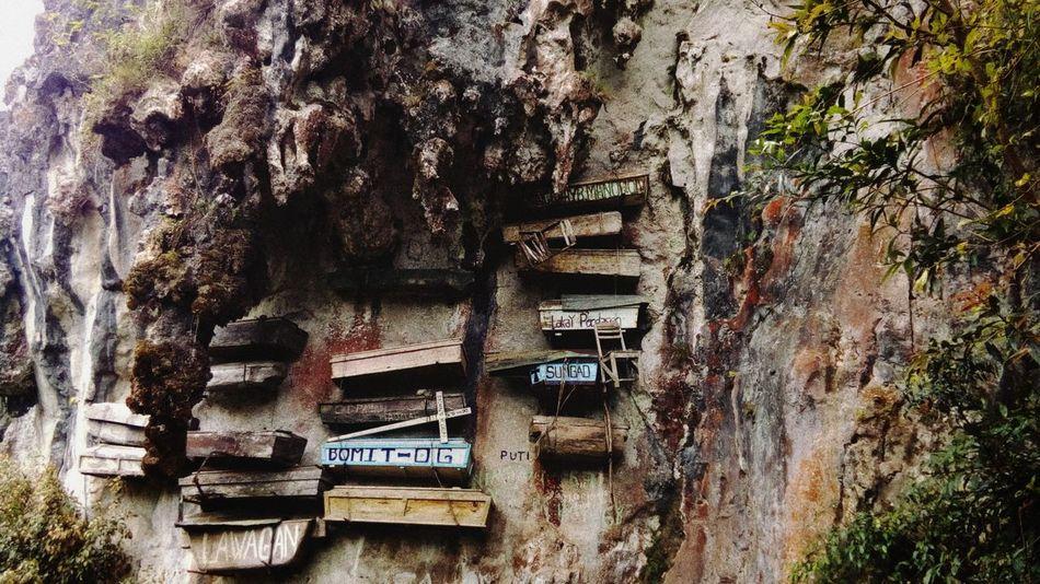 Hanging coffins Dead Coffins