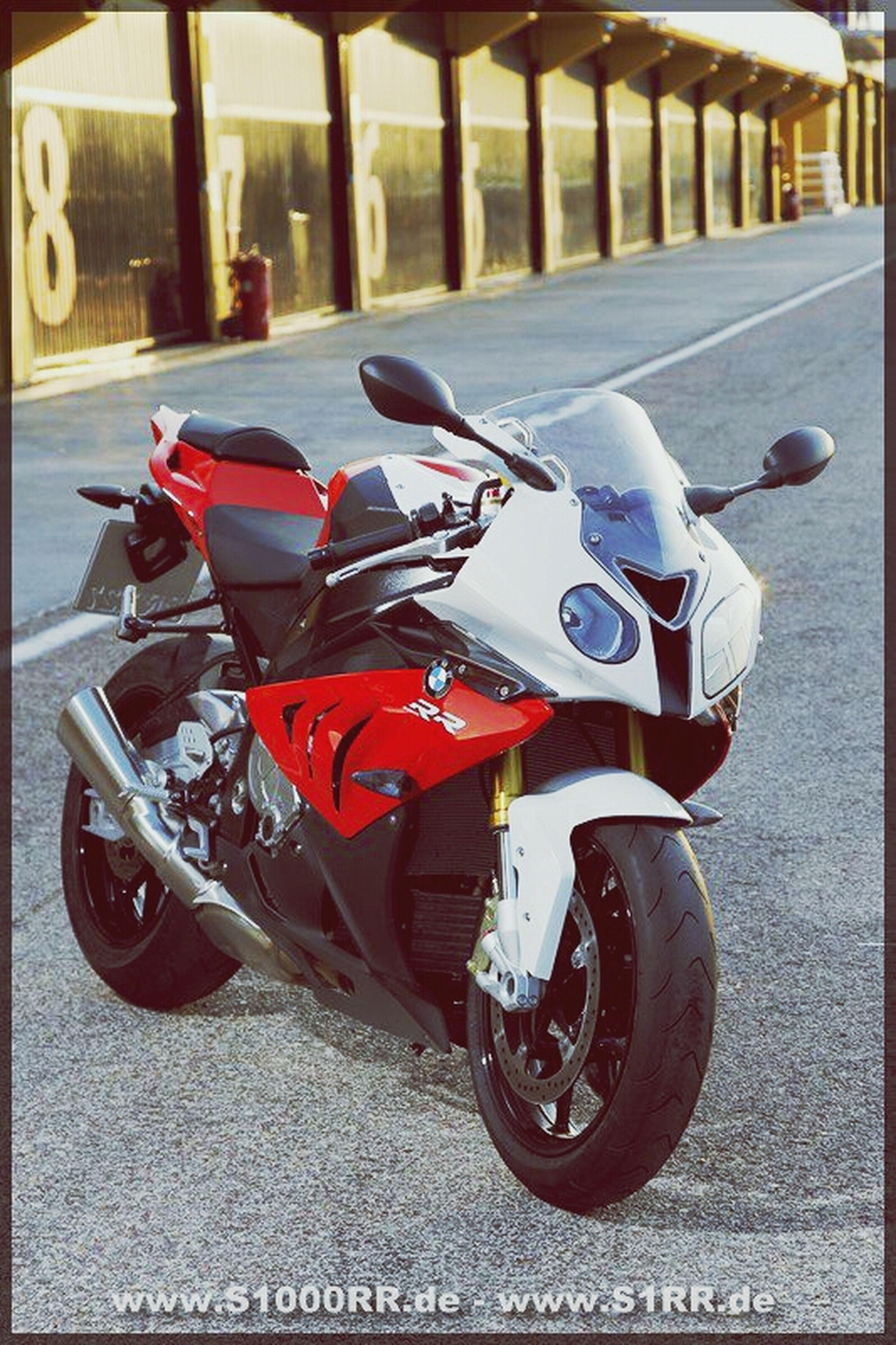 Taking Photos Hanging Out Motorbike 198ps