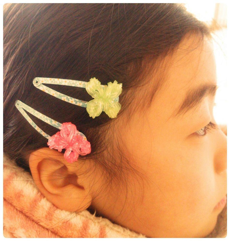 Handmade Mydaughter Hairpin Rainbow Room 娘がヘアピンに自分で作った飾りを付けて髪をとめてました。なかなかやるやん♪