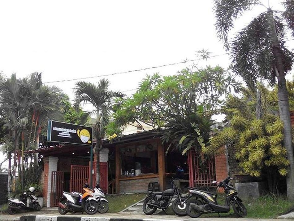 Kamitetapbuka Kalogatutup Udahgituaja 😁 Yasmin  Bogor INDONESIA Lenovotography Photostory Lzybstrd