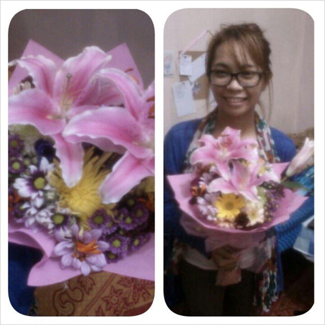 Thankyou. :*:*:*:*:* Favoriteflower Stargazer Flower Like luuuh 130am waiting haggard sunday ldr BaguioCity