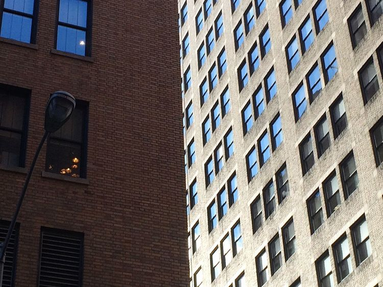 Fassade NYC New York City New York Windows Light And Shadow Looking Up Brickstone Building