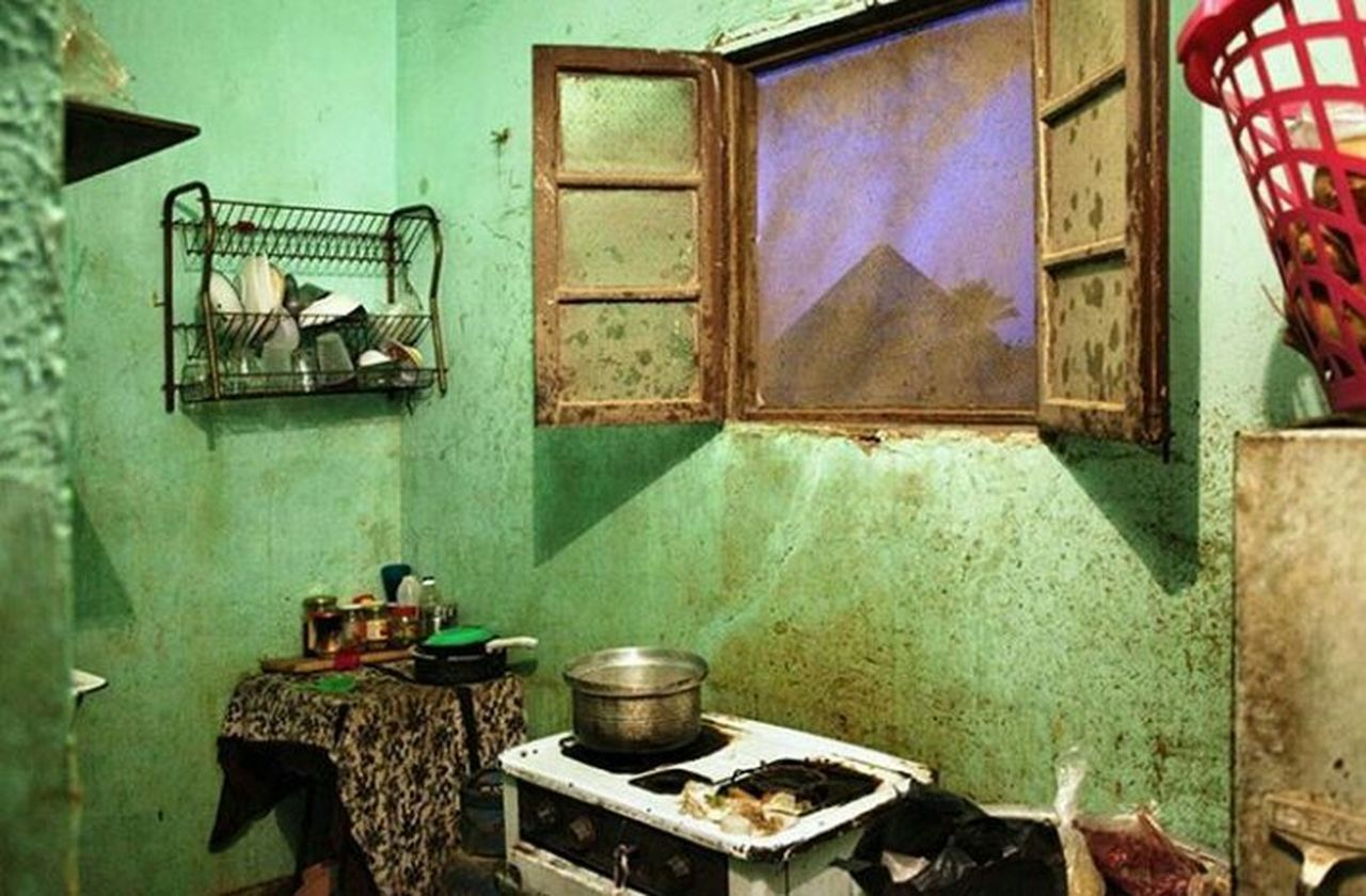 We can see pyramids from the kitchen Person No People Indoors  Built Structure Architecture Day Kitchen Egyptphotography Egypt Nature Ancient Sphinx Giza Egypt Home Giza Giza Pyramids Cairo Egypt Cairobeauty Cairo Pharoah Pharoah's Chicken Pharaonic Civilization Monomental Oriental Style Oriental Design Egyptian kitchen